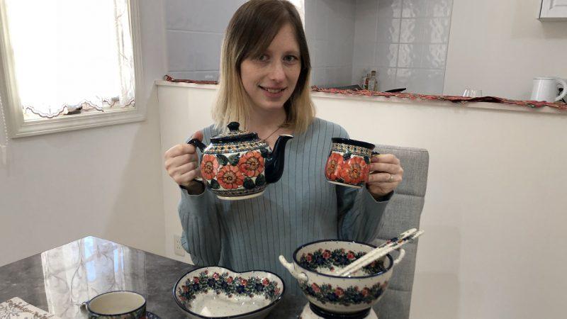 【秋本マグダレナさん インタビュー】 愛らしい模様と温もりのあるデザインが特徴的なポーランド食器の魅力