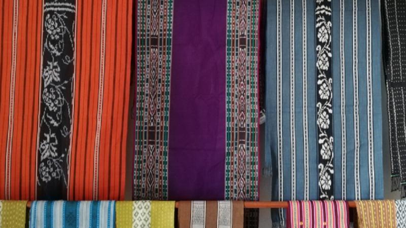 東ティモールのタイス|100%天然素材の美しき伝統織物の着色方法